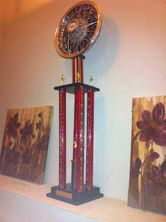 monkey-trophy
